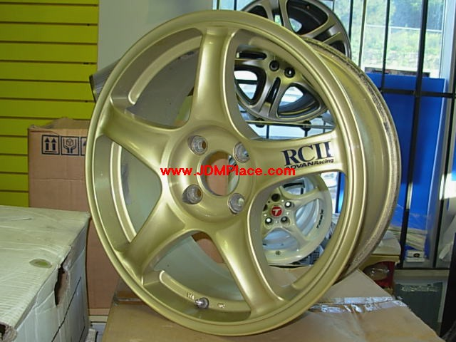 RI27001 - Rare Advan RC2 in 16x7 4x100 +45 offset wheels in gold colour, very lightweight.