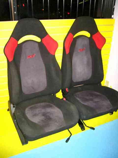 SE1001 - JDM Impreze STI Ver 4 front seats, fits most 91-05 Subaru cars.