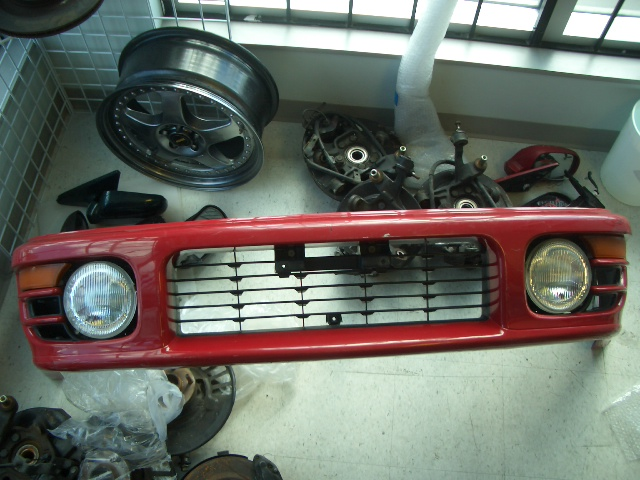 BD190001 - JDM STI Version 4 Impreza front bumper with fog and signal lights, acutal colour is silver, fits 93-01 Imprezas.