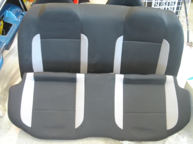 SE130002 - JDM GC8 Impreza WRX rear seats for 93-01 Impreza 4dr/2dr, black and grey.